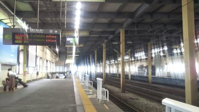燕三条駅ホーム
